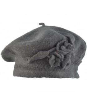 Kaunistusega barett