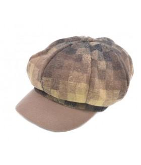 Naiste nokaga müts